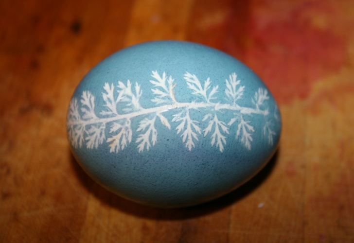 DIY Easter Eggs: Easy Leaf Prints